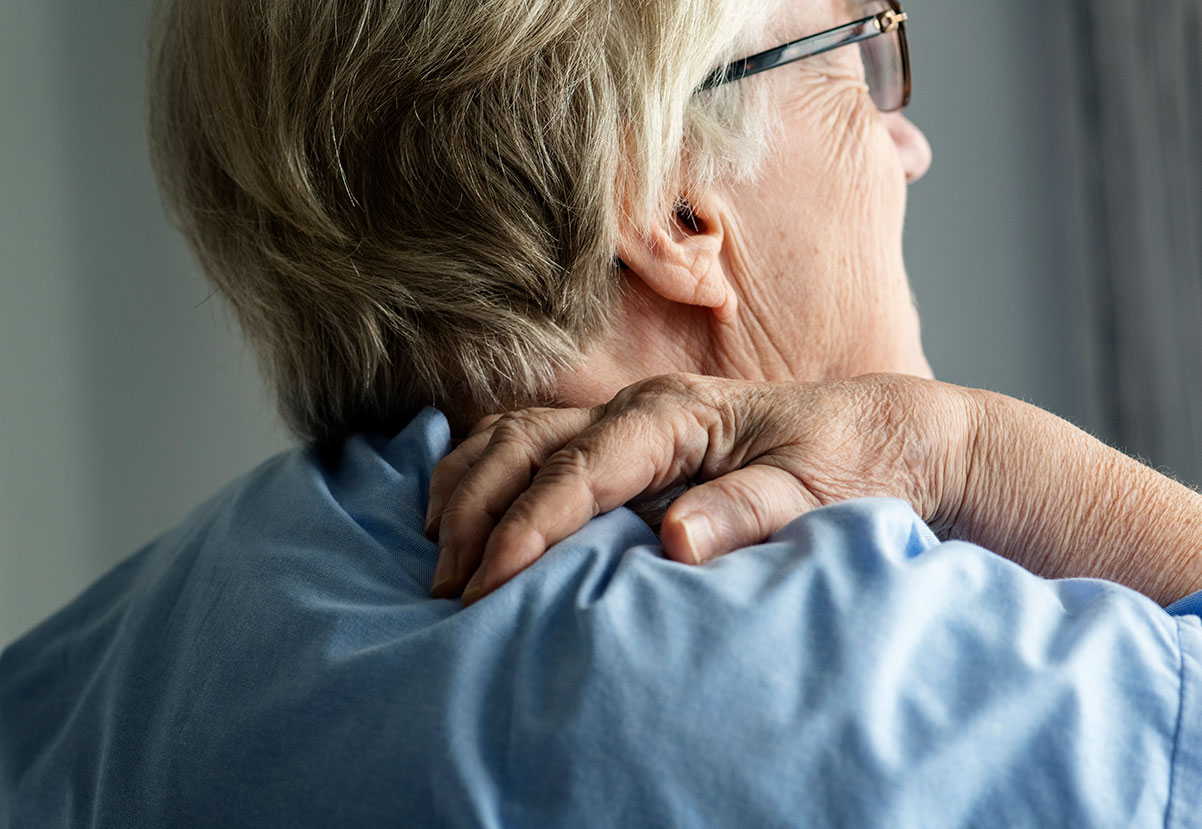 elderly-woman-with-back-pain