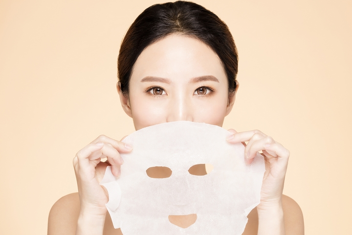 What Are Cosmetic Face Masks and Their Beauty Benefits?